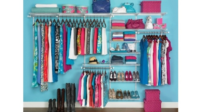 Organize Your Wardrobe With No Closet AND No Money